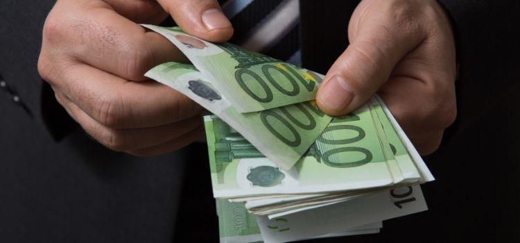Is snel geld verdienen illegaal